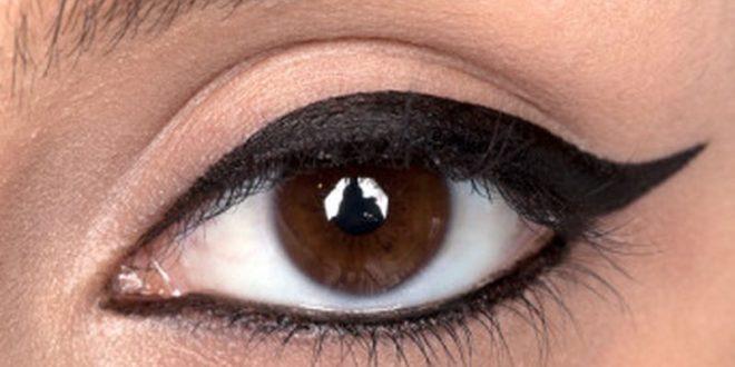 صورة مكياج العيون الكبيرة , طرق وضع ميكب العيون