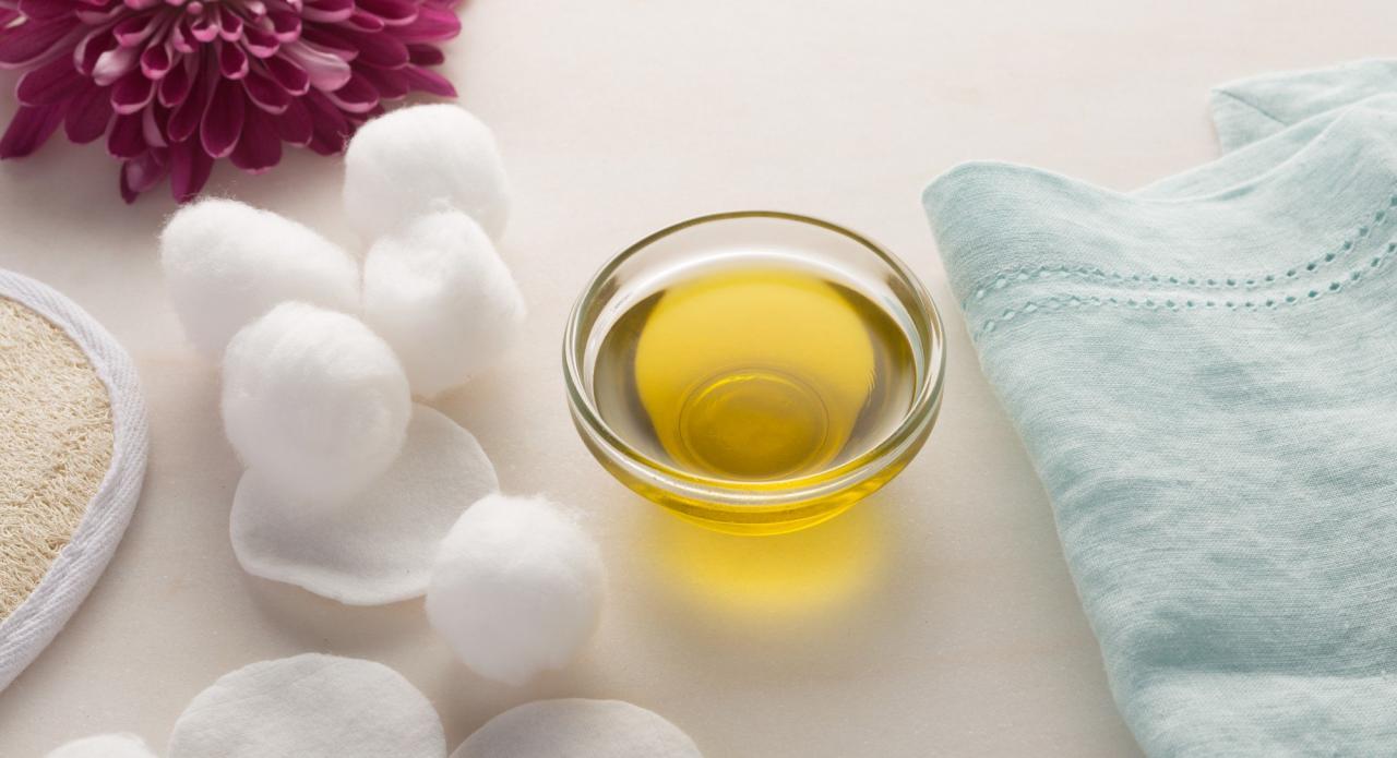 صورة زيت الزيتون للبشرة , فوائد زيت الزيتون العديده جدا للبشره