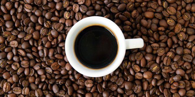 صورة شرب القهوة في المنام للعزباء , تفسير القهوه يحمل الخير والشر