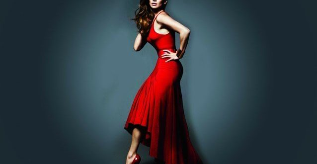 صورة حلمت اني لابسه فستان احمر وانا متزوجه , رؤيتك بفستان احمر هو حظ