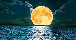 صورة كيف يضيء القمر , ازاي ممكن ان القمر بالرغم انه جسم معتم بينور الارض