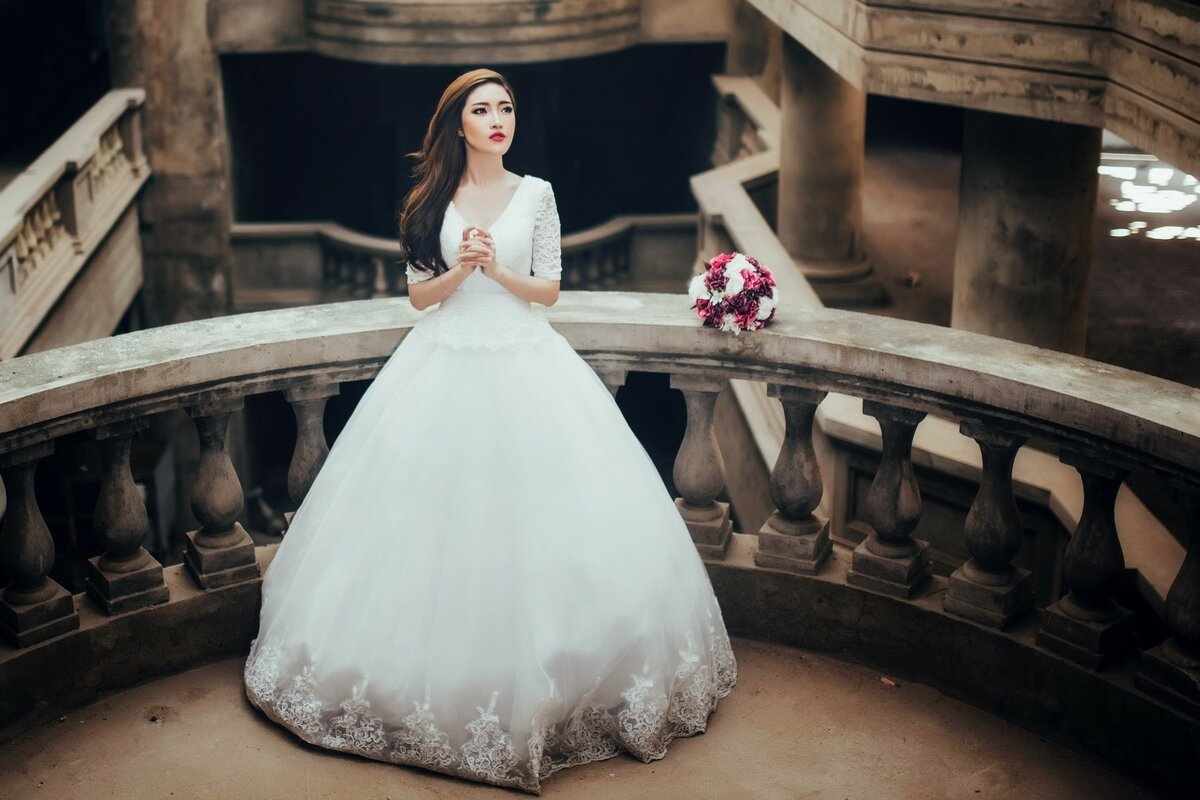 صورة تفسير حلم لبس الفستان الابيض للمتزوجة , رؤية الملابس البيضاء في الحلم