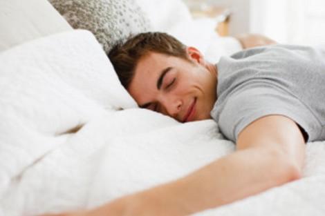 صورة تحليل الشخصية من طريقة النوم , وضعية نومك علي السرير ممكن تعرف كل شيئ عنك