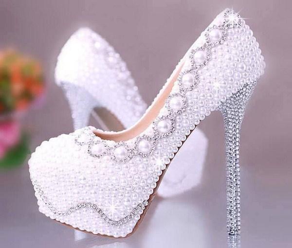 صورة احذية عرايس بيضاء , ليلة العمر واحلي واجمل حذاء ممكن تختاري ليها