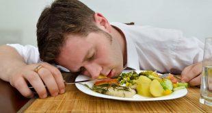 صورة النوم بعد الغداء , هل يوجد علاقة بين صحة الانسان والنوم بعد الغداء